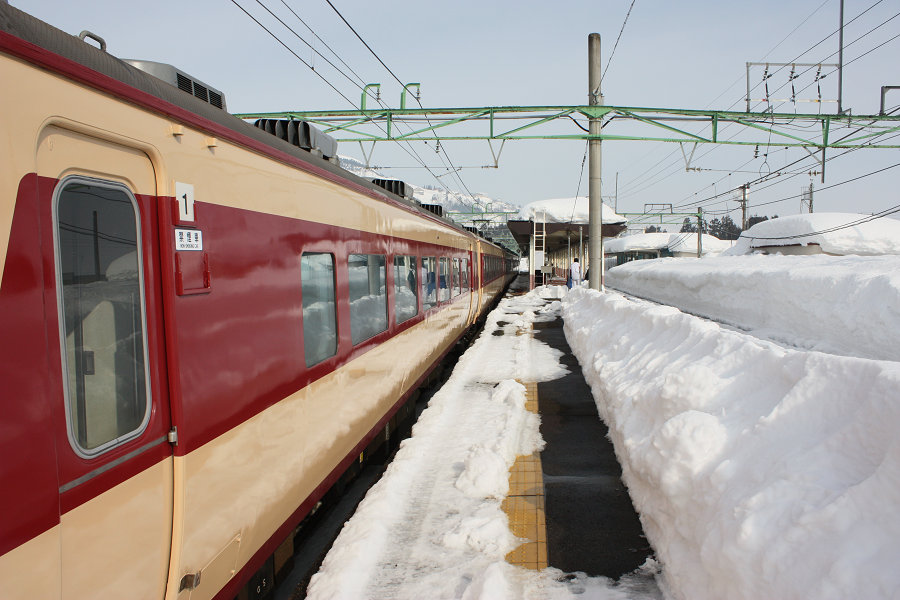 http://www.railway66-7.net/trip-files/1102jyouetsu/jyouetsu-b077.jpg